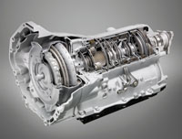 Az 550i-hez alap�ron j�r, a t�bbihez 642 ezer forint a nyolcfokozat� automata sebess�gv�lt�
