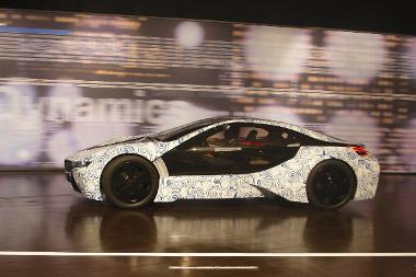 2013-ban megv�s�rolhat� a d�zel-elektromos hibrid BMW szuperaut�