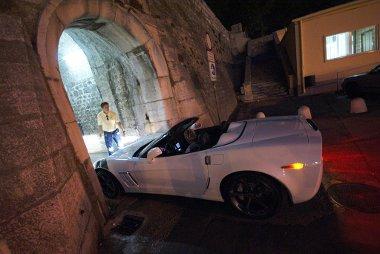 Nem sz�moltak a Corvette sz�less�g�vel a Zadar �v�ros�t v�d� fal �p�t�i – a t�kr�k behajt�s�val siker�lt a bejut�s