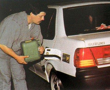 �res a Suzuki tankja, m�gis ez az aut� nyerte a fogyaszt�si versenyt