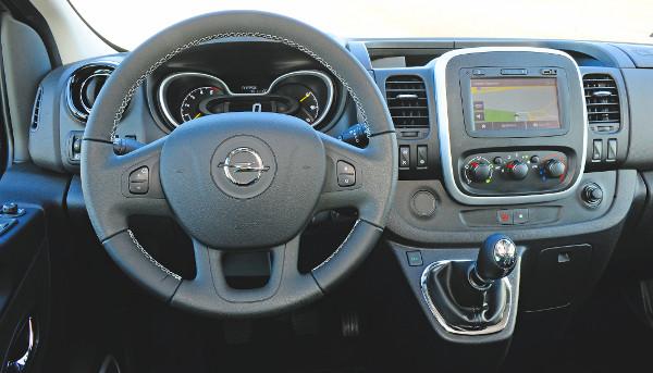 Le se tagadhatn� a Renault-rokons�got a Vivaro. Fot�: Hilbert P�ter